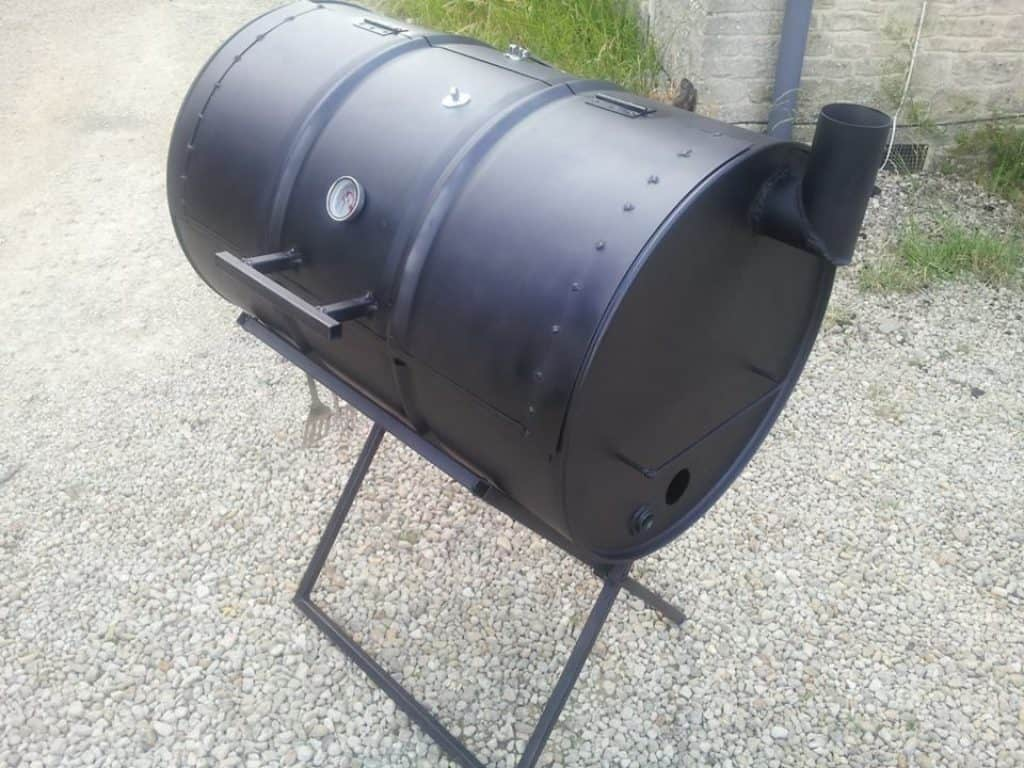 BBQ Smoker made of oil drum